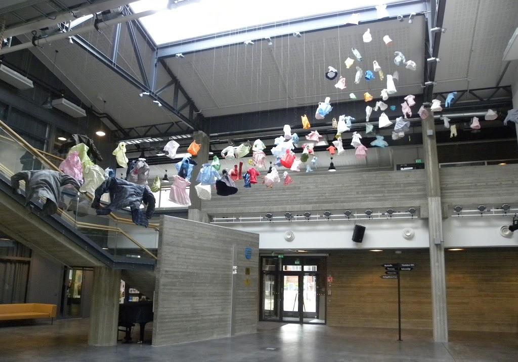 Kaupungintalossa oli myös taidetta.