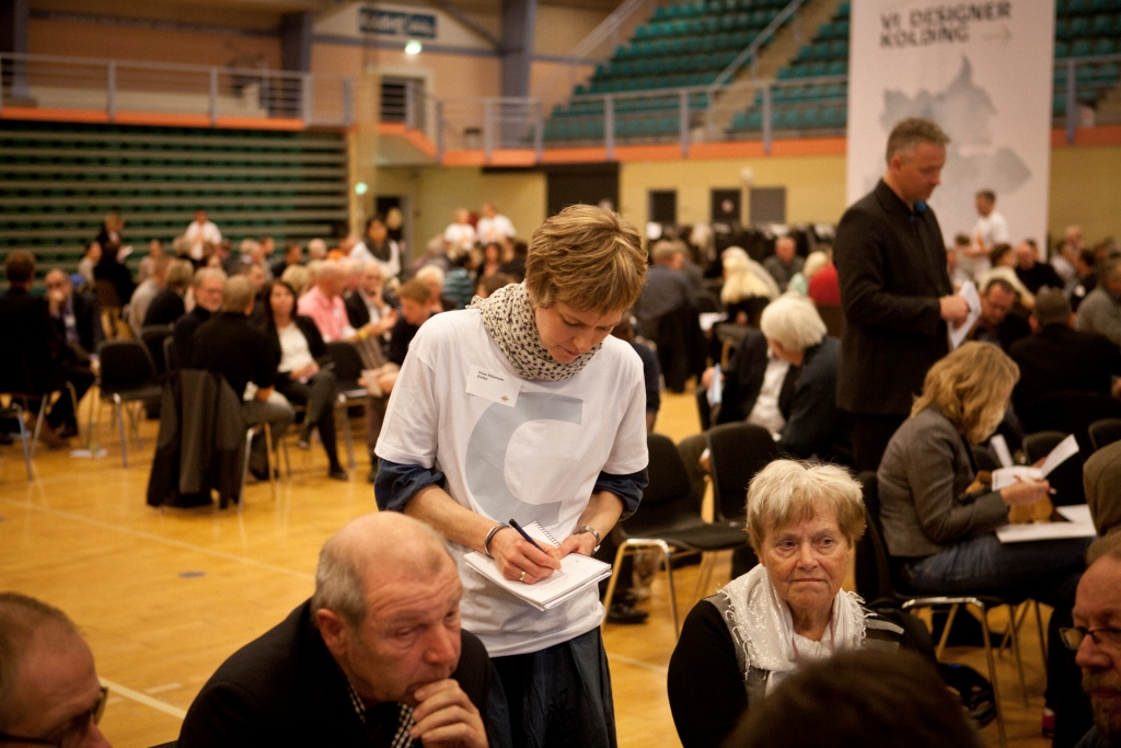 Torsdag d. 22. november 2012 afholdt Kolding Kommune i samarbejde med Stagis 'Visions Forum' for ca. 600 borgere i Kolding Kommune i forbindelse med lokalplanen 'Vision 2012', som skal ops¾tte mŒl for Kolding Kommunes fremtid.